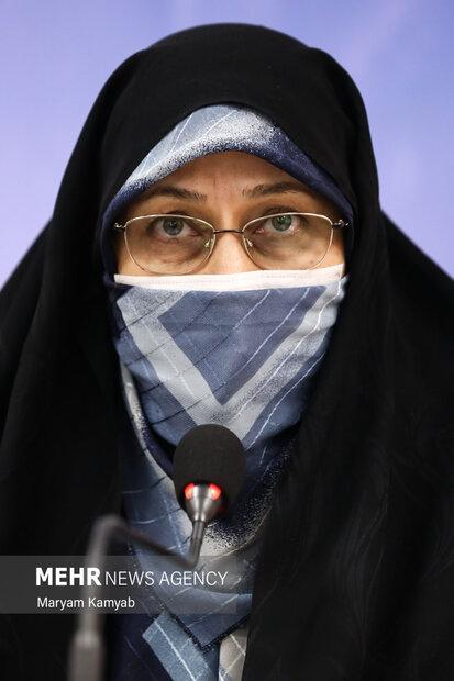 انسیه خزعلی معاون امور زنان و خانواده ریاست جمهوری در نشست با فعالان اصولگرا در حوزه زنان سخنرانی کرد.