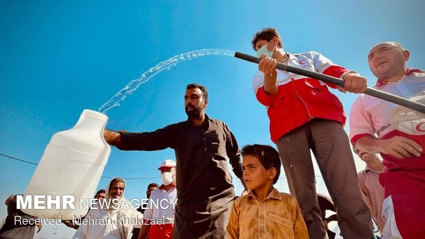 دومین مرحله طرح «نذر آب ۴» در مهرستان اجرا شد