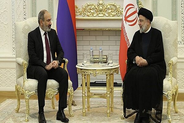 Raeisi, Pashinyan stress deepening bilateral ecnomic ties