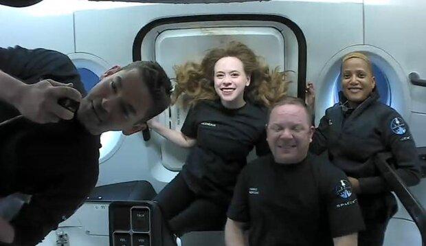 توریست های فضاییی اسپیس ایکس به زمین بازگشتند