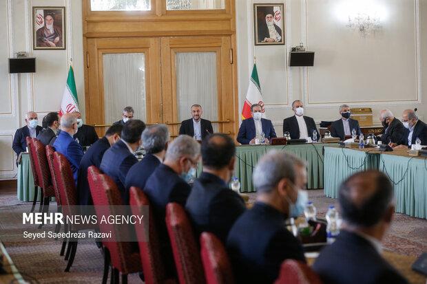 امیر عبداللهیان وزیر امور خارجه ایران و معاونان وزارت خارجه  در مراسم معارفه معاونان جدید وزارت امور خارجه  حضور دارند