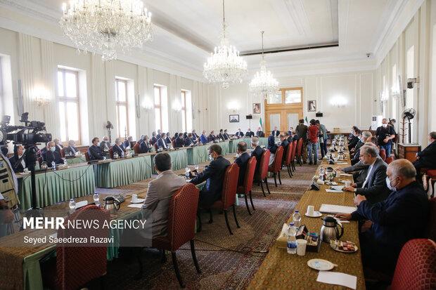 مسئولین وزارت خارجه در مراسم معارفه معاونان جدید  وزارت خارجه حضور دارند