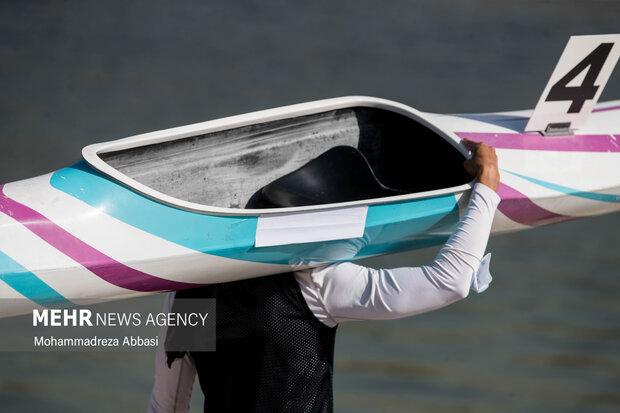 Women's rowing competitions held in Tehran's Azadi Lake