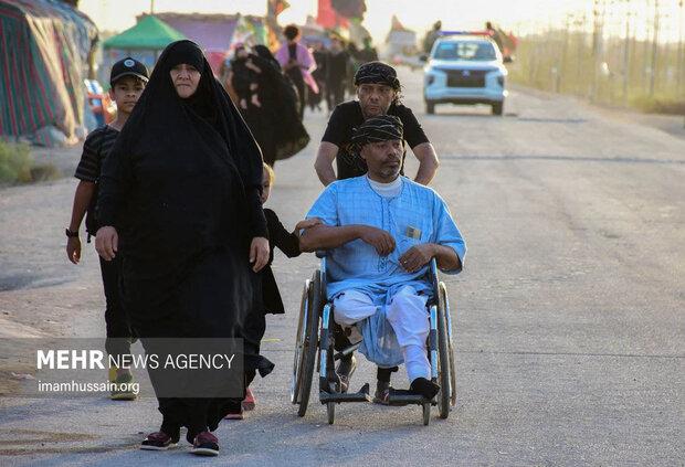 پیاده روی اربعین حسینی در مسیر کوفه به کربلا