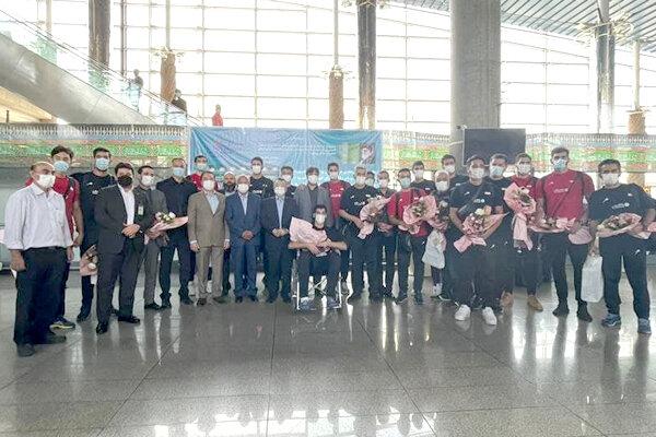تیم ملی والیبال پس از قهرمانی آسیا به تهران برگشت