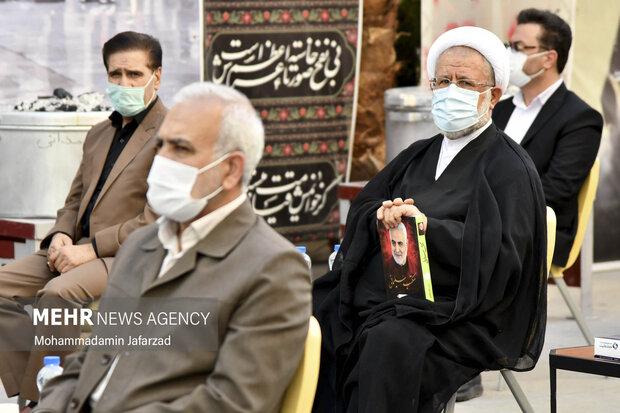 مصطفی خاکسار قهرودی قائم مقام رئیس کمیته امداد  در افتتاح بزرگترین موکب احسان حسینی علیه السلام به نیابت از شهدای واقعه کربلا حضور دارد