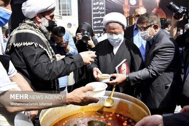 افتتاح بزرگترین موکب احسان حسینی علیه السلام به نیابت از شهدای واقعه کربلا  صیح امروز سه شنبه برگزار شد