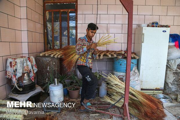 جاروبافی سنتیTraditional broom making in Khorasan در روستای ملاحسن آشخانه