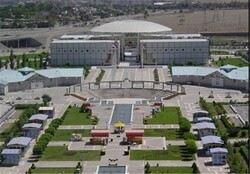 بزرگترین مرکز واکسیناسیون کرونای کشور در مشهد راهاندازی شد/ ظرفیت تزریق روزانه ۲۰ هزار دز واکسن