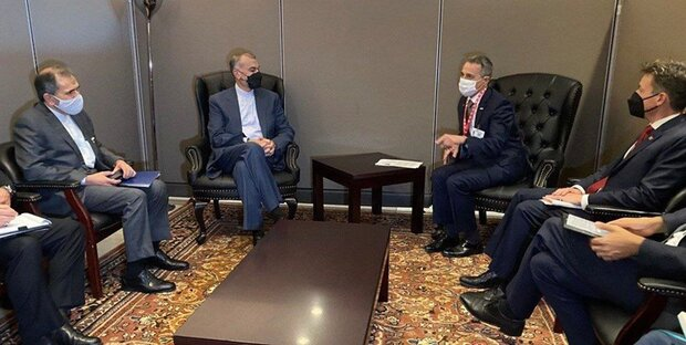 Iran FM meets with some European FMs in NY (+Details)