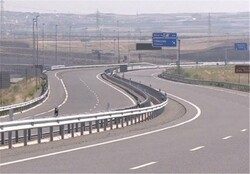 بهسازی و ایجاد زیرساختهای جاده ای و ریلی در استان ضروری است