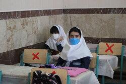 کلاسهای با تعداد دانش آموز بالای ۱۵ نفر در زنجان ترکیبی است