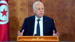 اربعة احزاب تونسية تعتبر رئيس الجمهورية فاقدا لشرعيته