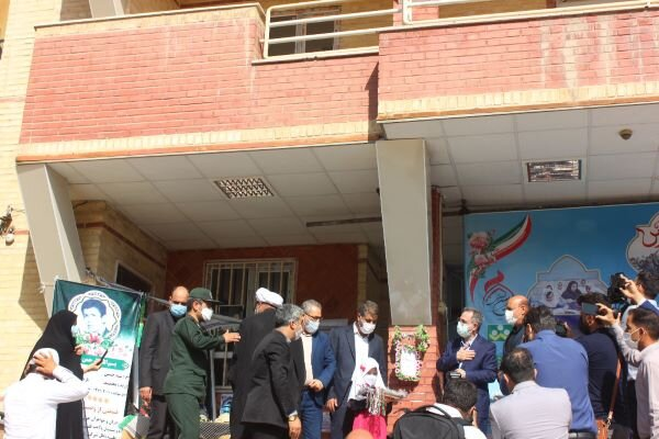زنگ جشن شکوفهها در مدرسه «مهر» شهریار نواخته شد