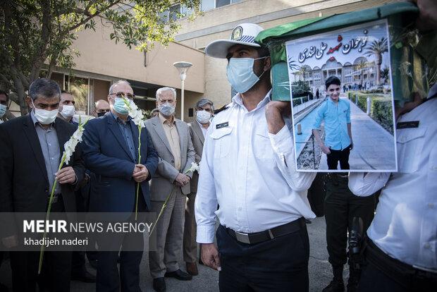 اصفہان میں دو ماؤں کو آگ سے نجات دینے والا 15 سالہ ایرانی نوجوان زخموں کی تاب نہ لاکر چل بسا
