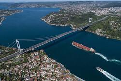 İstanbul Boğazı'nda Türk ve Rus gemileri çarpıştı