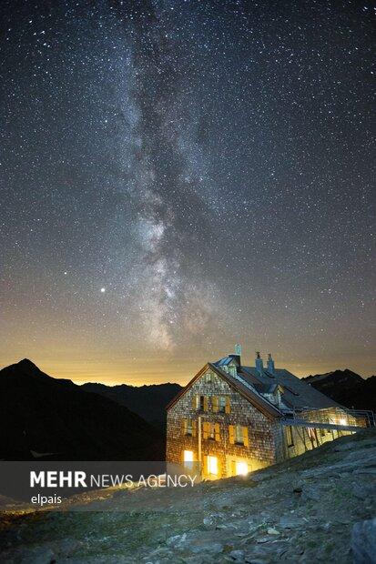 سفری در آسمان شب