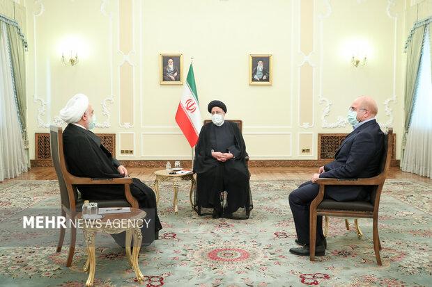 ایرانی عدلیہ کے سربراہ کی میزبانی میں تینوں قوا کا سربراہی اجلاس