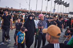Pilgrims en route to Karbala ahead of Arbaeen