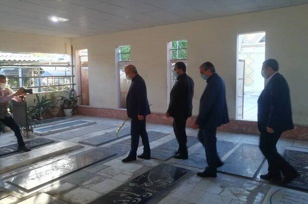 وزیر کشور با شهدای بوشهر تجدید میثاق کرد