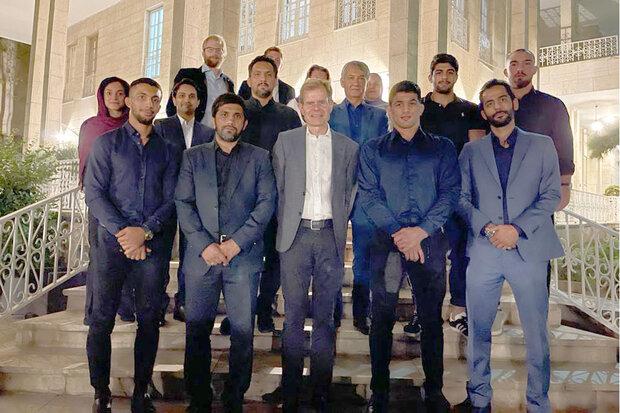حضور مدالآوران المپیکی کشتی ایران در سفارت نروژ