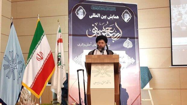 روحیه بسیجی و جوانگرایی انقلاب اسلامی را مصون نگه میدارد