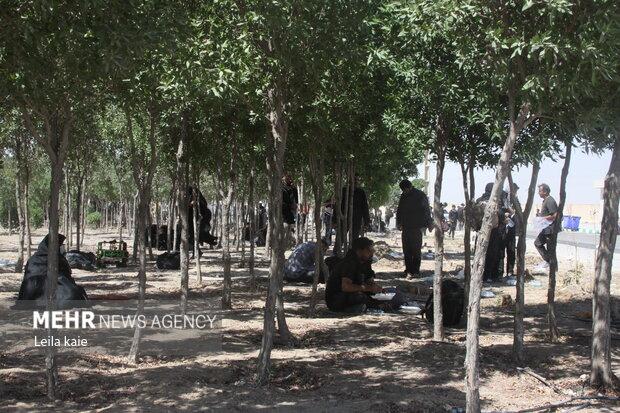 ازدحام زائران پس از بازگشایی موقت مرز مهران