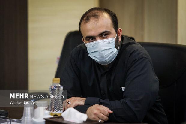 محمد شجاعیان مدیرعامل خبرگزاری مهر در مراسم رونمایی کتاب پاییز آمد به نویسندگی گلستان جعفریان حضور دارد
