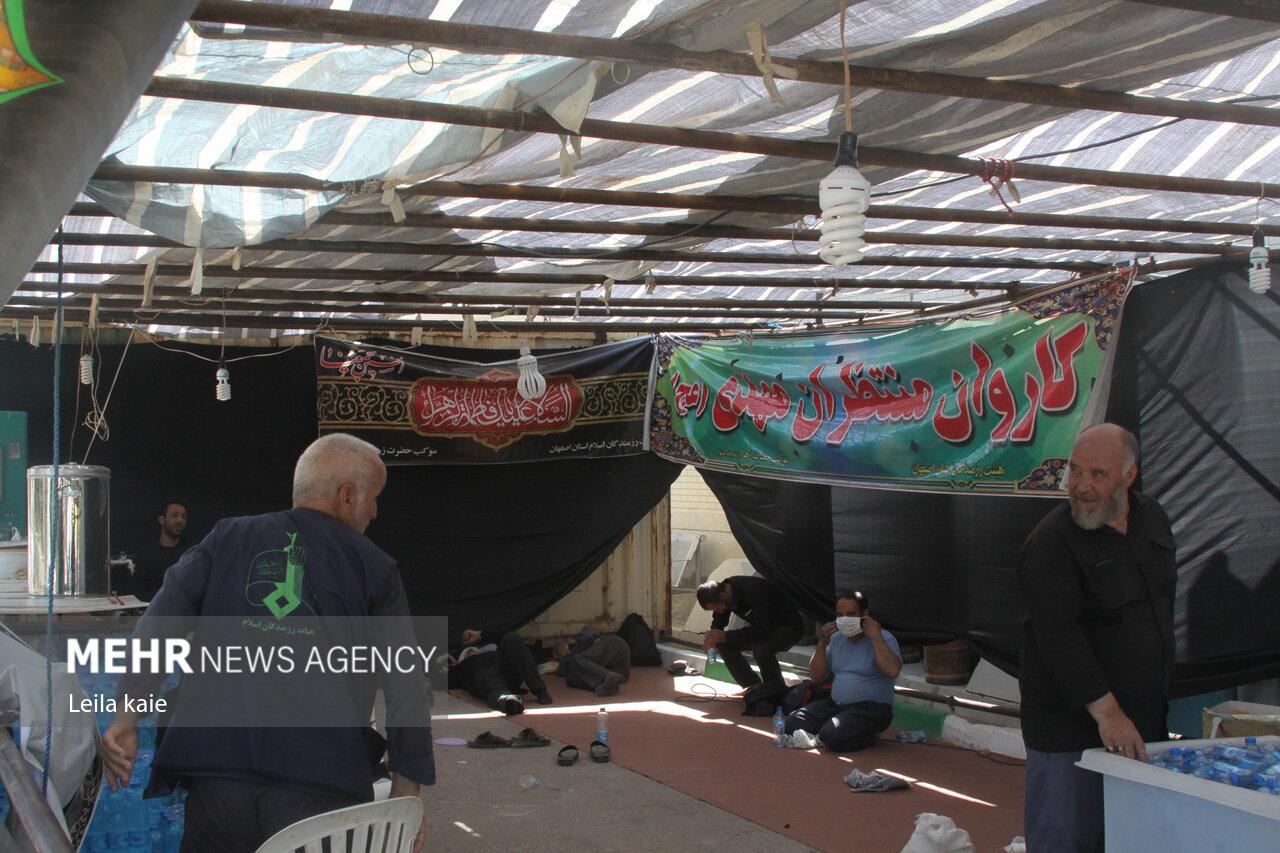 توزیع ۱۰ هزار وعده غذایی بین زائران برگشتی در مهران