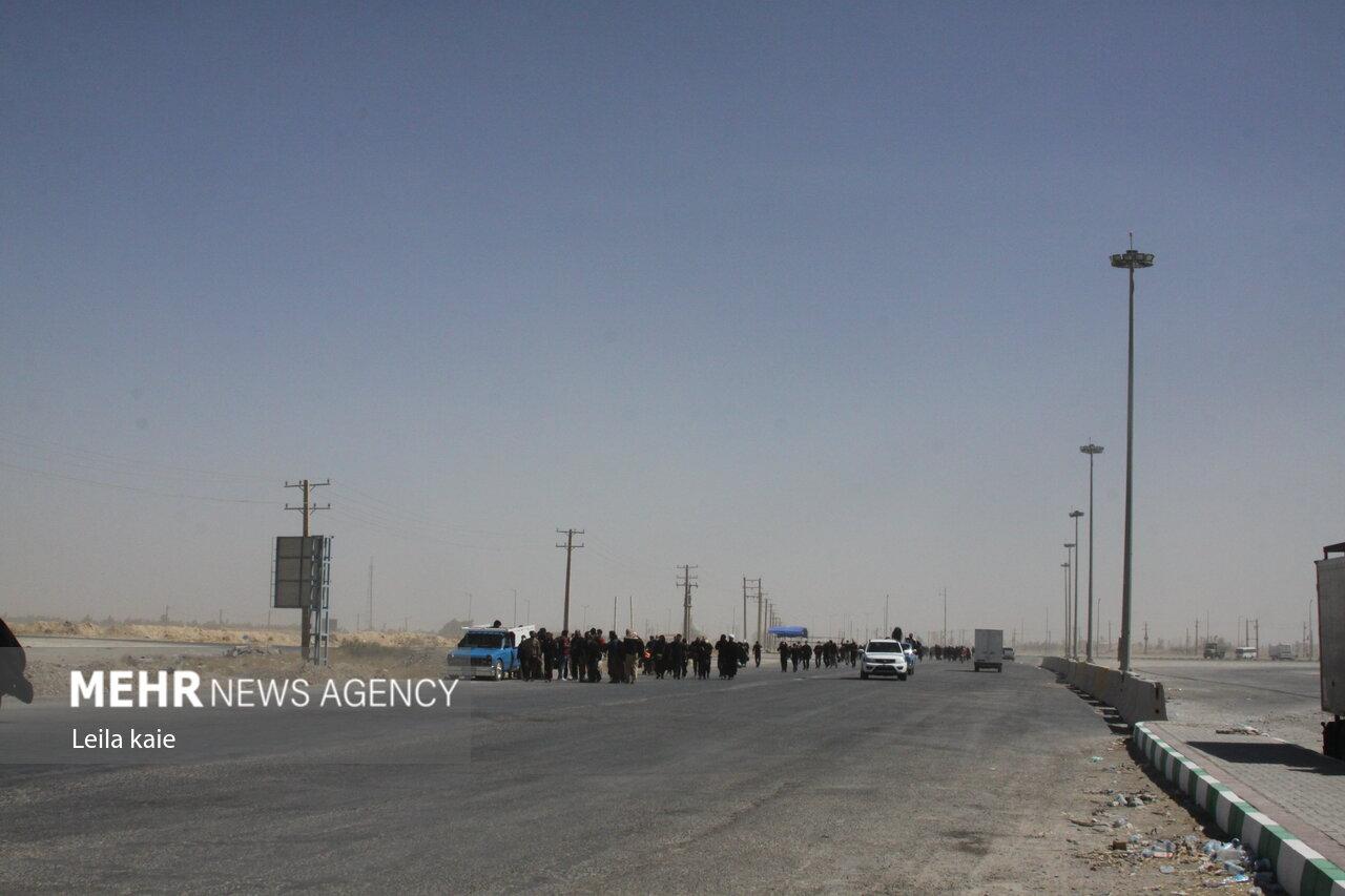 ازدحام زائران پس بازگشایی موقت مرز مهران