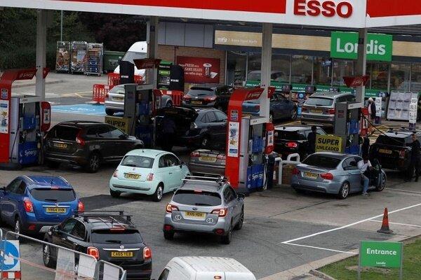 بحران کمبود سوخت در انگلیس؛ نیروهای ارتش وارد می شوند
