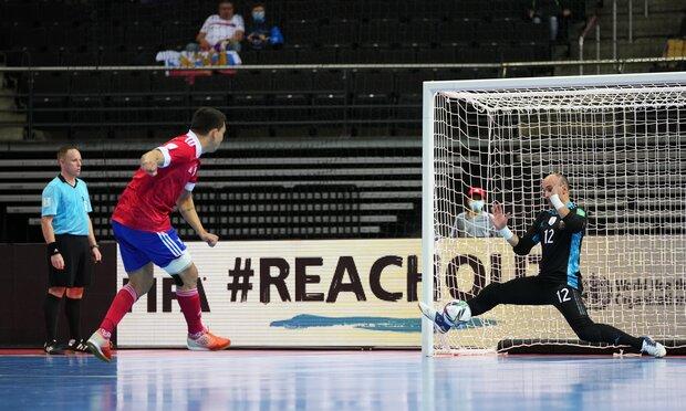 تصاویری از جشن پیروزی تیم ملی آرژانتین/ صعود با عکس مارادونا