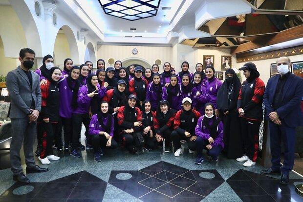 بازگشت تیم ملی فوتبال بانوان به ایران بعد از صعود به جام ملتها