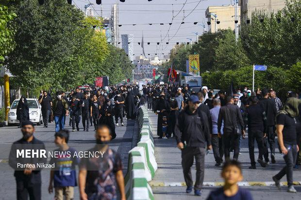 مراسم راهپیمایی جاماندگان اربعین حسینی با حضور عاشقان حسینی در تهران برگزار شد