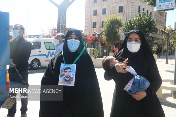ابراز ارادت عاشقان حسینی در پیاده روی اربعین سنندج