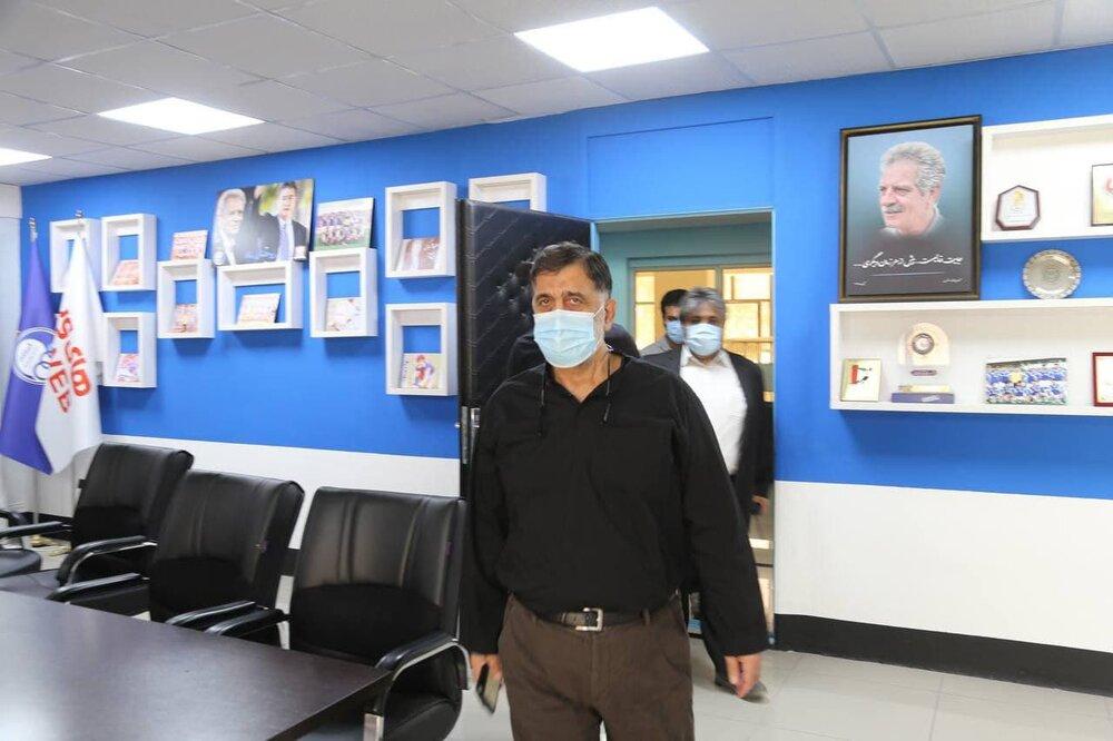 حضور فرهاد مجیدی در جلسه چهارساعته هیات مدیره باشگاه استقلال