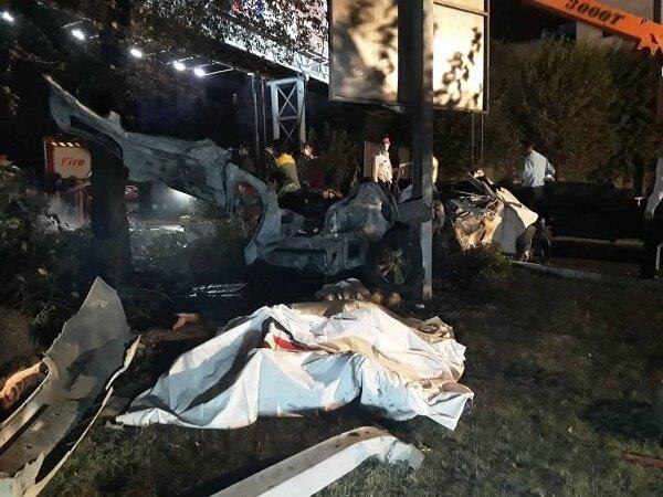 آتش سوزی یک دستگاه خودرو در بزرگراه مدرس