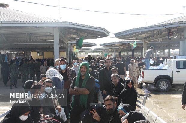 موج بازگشت زوار از مهران/ فعالیت قطار شلمچه/ محدودیتهای ترافیکی