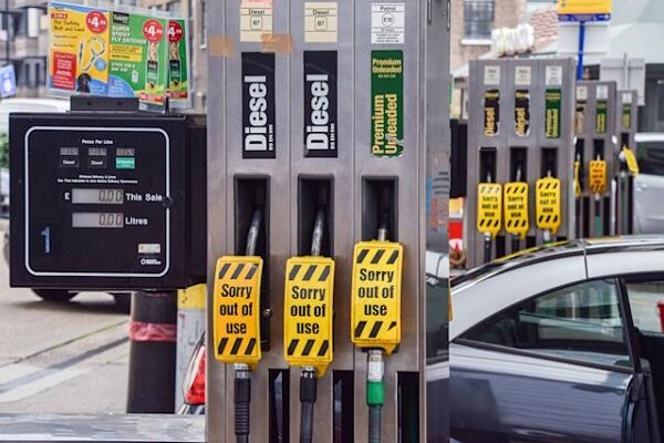 Army put on standby to ease fuel crisis in UK