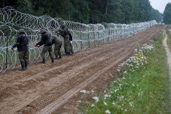 وضعیت اضطراری در مرز لهستان و بلاروس ۶۰ روز دیگر تمدید شود