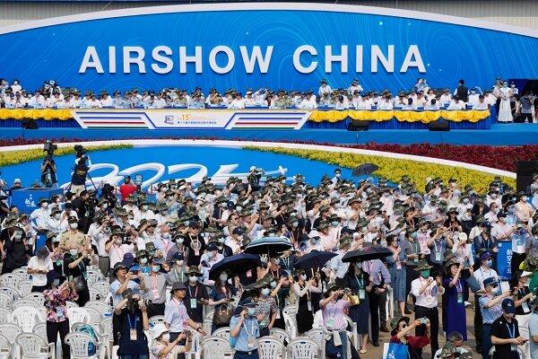 چین از تسلیحات و تجهیزات نظامی جدید رونمایی کرد