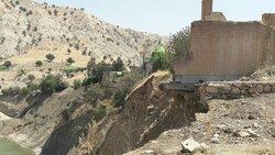 مزار شهدای معمولان همچنان در معرض ریزش/ وعده ۵ ماهه برای ساخت دیواره حفاظتی!