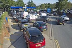 İngiltere'de her dört benzin istasyonundan birinde yakıt yok