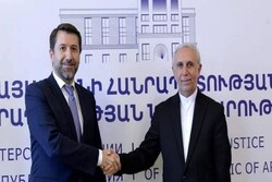 Iran envoy discusses extraditing convicts with Armenian Min.