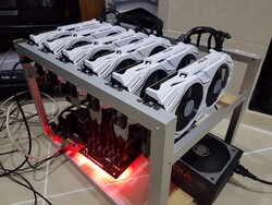 کشف ۲۱ دستگاه استخراج ارز دیجیتال در بندرعباس