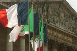 Cezayir: Fransa egemenliğimize saygı duyması gerekiyor