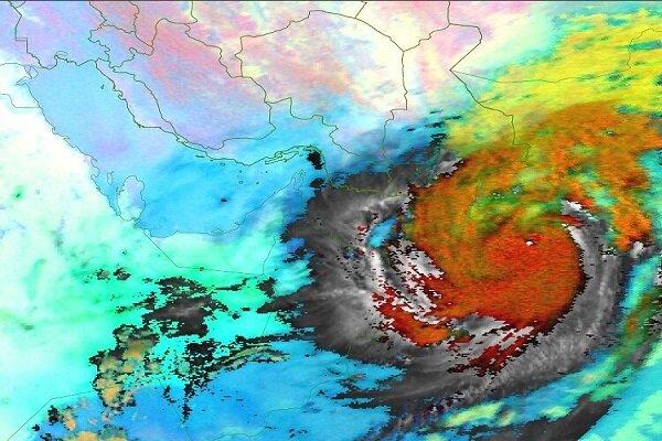 3909123 - بلوچستان و هرمزگان زیر سایه طوفان/ «شاهین» بر فراز عمان بال گشود