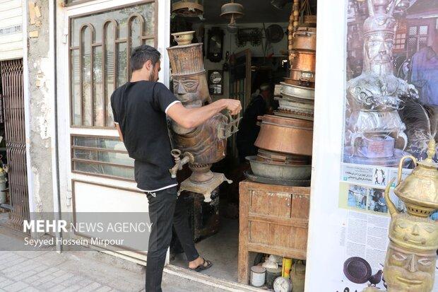 Engraving Iran's brilliant history on body of samovar