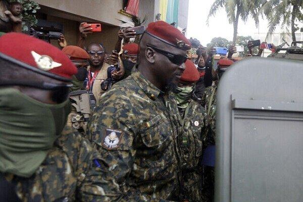 رهبر کودتاچیان در گینه خود را رئیس جمهور جدید نامید