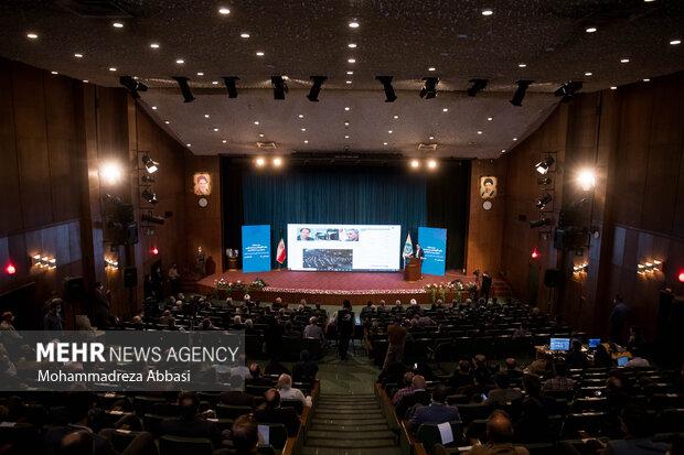مراسم تودیع و معارفه رئیس دانشگاه تهران صبح امروز یکشنبه در تالار علامه امینی دانشگاه تهران برگزار شد